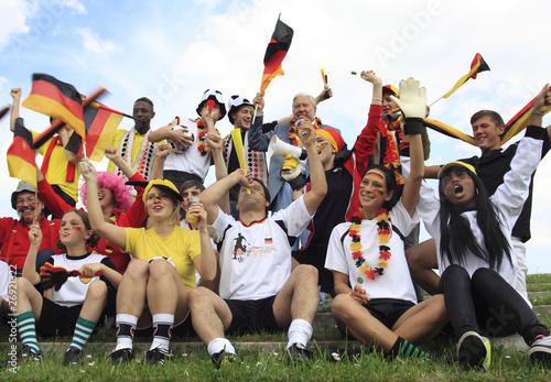 deutsche Fußballfans, jubelnd