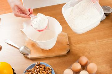 Dosing flour