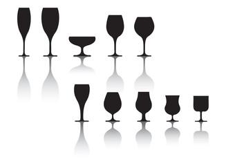 set di bicchieri da vino e liquore