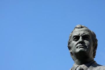 statua di un uomo