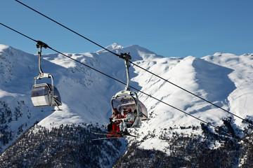 Wyciąg krzesełkowy w Alpach