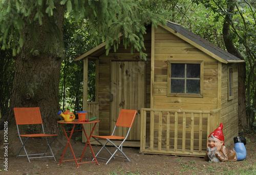 Cabane de jardin pour enfants photo libre de droits sur la banque d 39 images image - Cabane pour jardin orleans ...