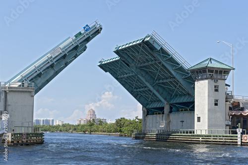 Memorial Day - Fort Lauderdale - 27080599