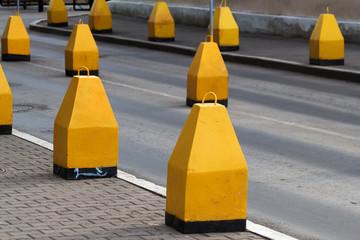 Road  asphalted  obstruct