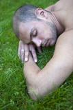 beau jeune homme viril détente repos sieste sommeil masculin poster