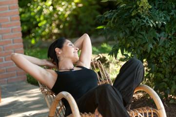 relax su sedia a dondolo