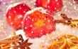 Weihnachtsäpfel im Schnee