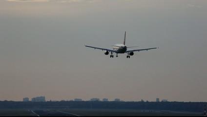 Landung am Abend