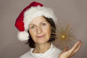 reife weihnachtsfrau