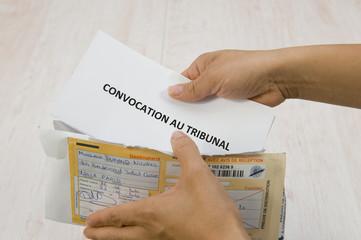 Convocation au tribunal