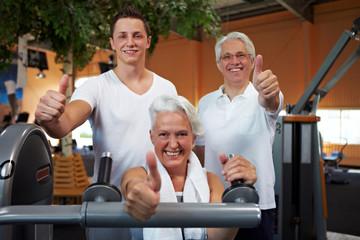 Erfolgreiche Gruppe im Fitnesscenter