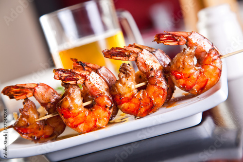 Shrimp grilled with beer - 27246788