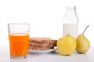 Breakfast: juice, fruit (apple and pear), bread, cereal and milk