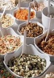 Fototapety Assortiment de salades de buffet