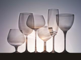 Composition de verres à pied vides