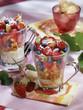 Trifle aux fruits rouges et noirs