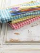 Serviettes et couverts en plastique