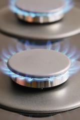 Brûleurs à gaz allumés