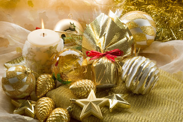 gift and gold xmas decorations- decorazioni natalizie