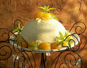 Fromage blanc and apricot blancmange