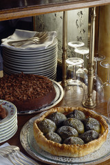 Fig tart and chocolate cake