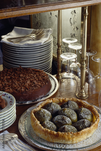 Fig tart and chocolate cake