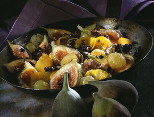 Pan-fried figs with spices