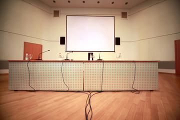 Registration of afloor, walls and table with microphones