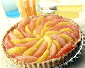 Citrus fruit tart with balsamic vinegar shortcrust pastry
