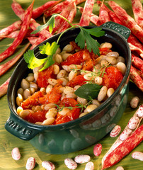 cooked white beans with tomatoes