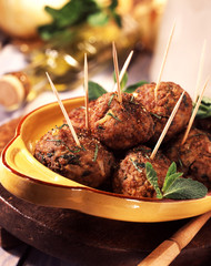 Fried meatballs with mint