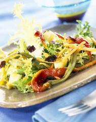 Escarole salad with escalivada peppers