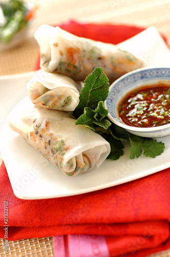 spring rolls with caramelized flaked salmon