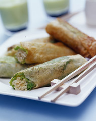 Green cabbage and boulghour crunchy rolls