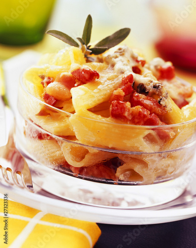 penne bake with bacon and gorgonzola