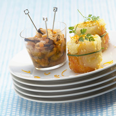 Mussels escabeche and sushis