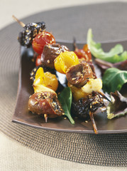 Kidney and vegetable brochettes