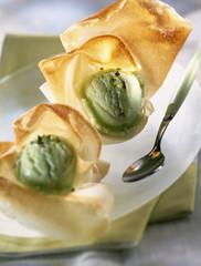 Crunchy pistachio Aumonieres