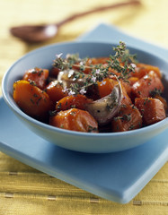 Confit carrots with garlic
