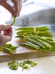 Top and tailing green beans