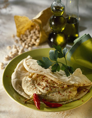 Chickpea puree Naan