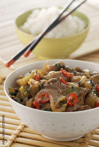 Lamb sauté with red hot peppers and mint