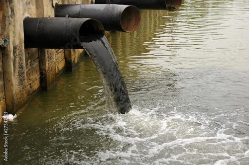 Leinwanddruck Bild water pollution