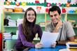 Leinwanddruck Bild - Teacher and parent in classroom