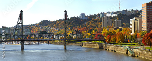 Hawthorne Bridge Portland Oregon in the Fall