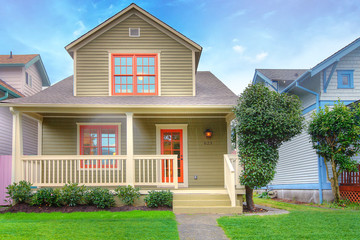 Craftsman style small house
