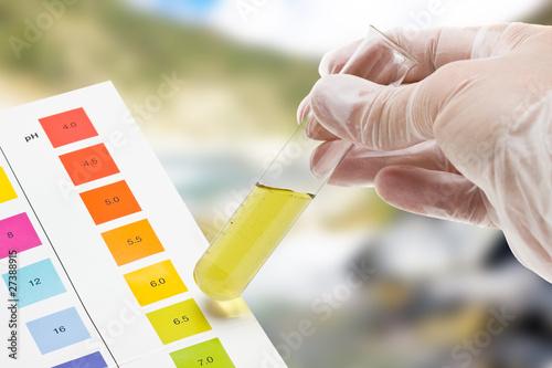 Outdoor pH test - 27388915