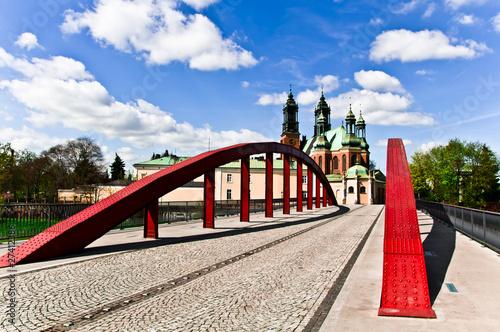 most świętego Jordana w Poznaniu z katedrą w tle © Jakub Kałek