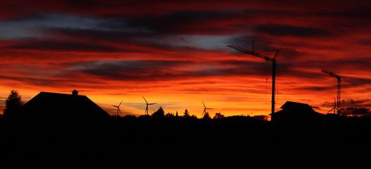 Baukran bei Sonnenuntergang