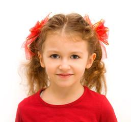 bambina vestita di rosso